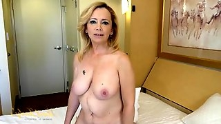 Naked mature babe interviews in a hotel room