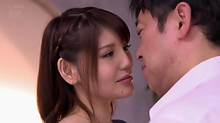 Alluring Japanese girls likes her armpits licked and cum on her face